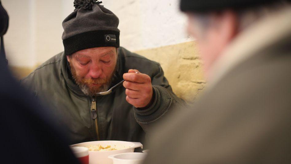 Suppenküche in Berlin: Die meisten Hartz-IV-Empfänger haben vorher schlecht verdient