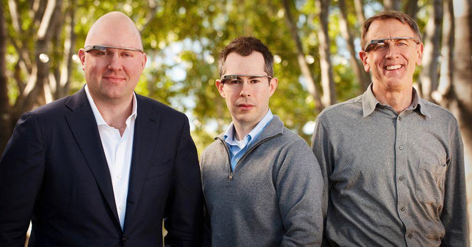 Netscape-Gründer Marc Andreessen (l.), Bill Maris, Google Ventures, John Doerr, Kleiner, Perkins Caufield & Byers mit Google-Brillen: Investorenteam für Glass-Anwendungen
