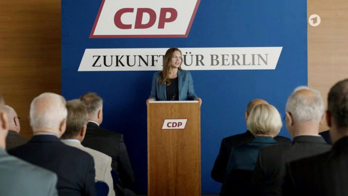 Tritt zur Wahl an: Anna Loos als Berliner Bürgermeisterkandidatin Susanne Kröhmer