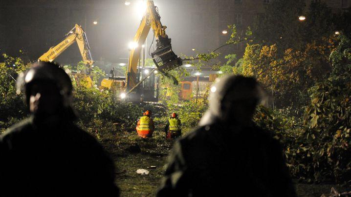 """""""Stuttgart 21"""": Erste Bäume fallen"""