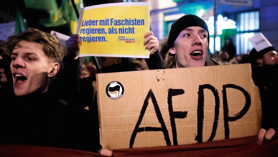 Anti-AfD-Demonstranten vor Berliner FDP-Zentrale:»Es hackt ja wohl total«