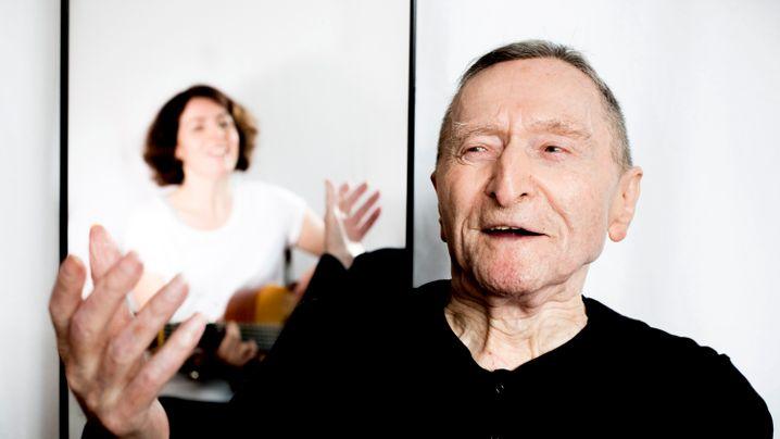 Musiktherapie bei Demenz: Wenn die Erinnerung zurückkommt