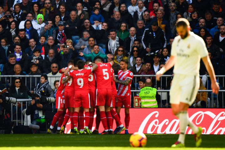 Karim Benzema (rechts) während des Girona-Jubels beim zwischenzeitlichen 1:1
