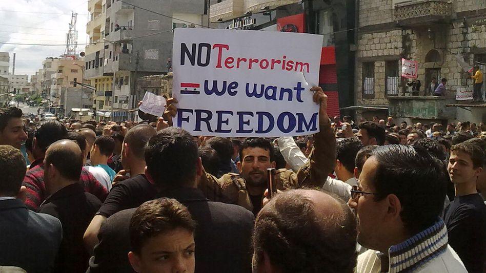 Demonstranten in Banias, im Nordosten Syriens: Aufruf bei Facebook