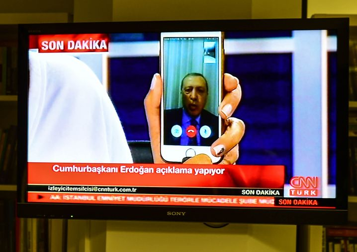 Präsident Erdogan im Interview mit CNN-Türk in der Putschnacht