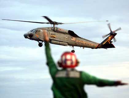 US-Hubschrauber nach einem Hilfsflug: Nudeln, Kekse und Wasser für die Bedürftigen