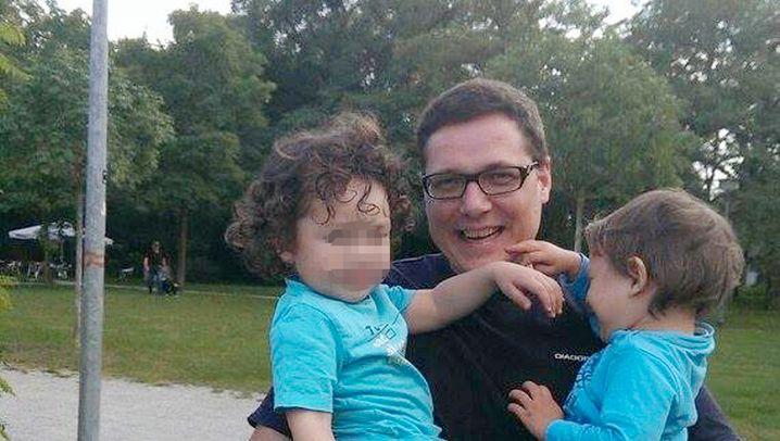 Verzweifelter Vater: Suche nach Karl und Johann