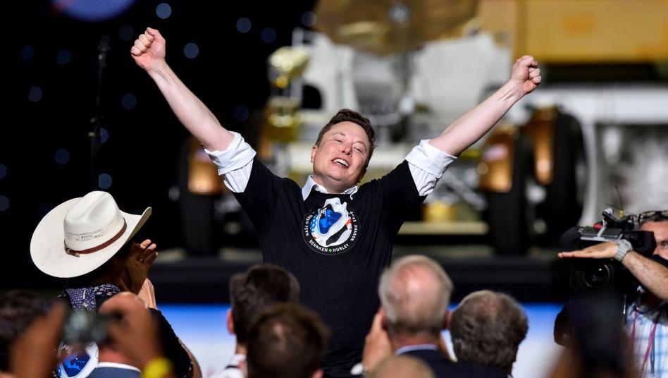 Elon Musk (nach erfolgreichem Raketenstart im Mai 2020): Reicher als Gates, ärmer als Bezos
