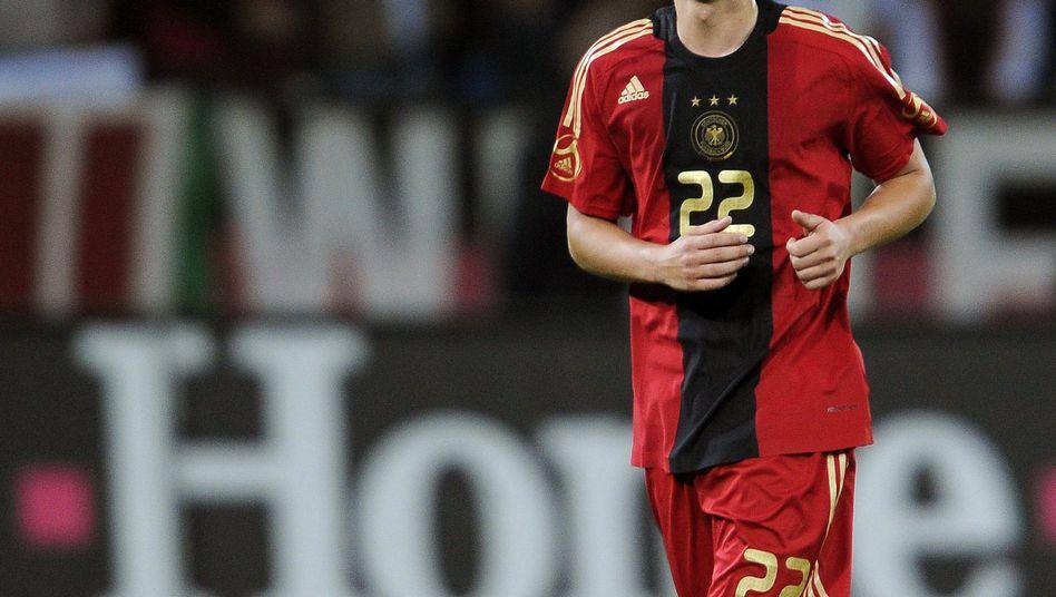 Nationalspieler Özil: Für rund 80.000 Euro pro Jahr versichert