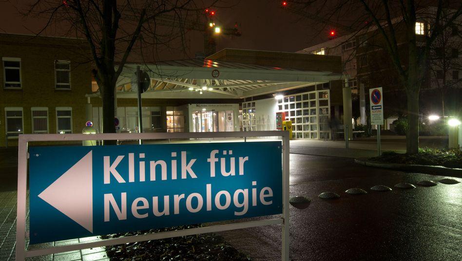 Schild vor den SLK-Kliniken am Gesundbrunnen: J.S. soll Patienten falsch behandelt haben
