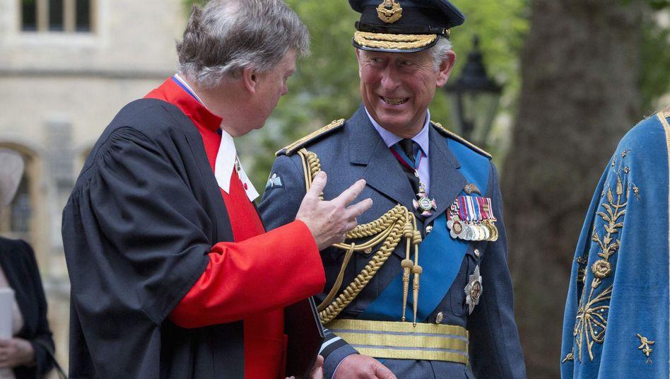 Prinz Charles auf dem Weg zu einem Gedenkgottesdienst in London: Briefe an Minister