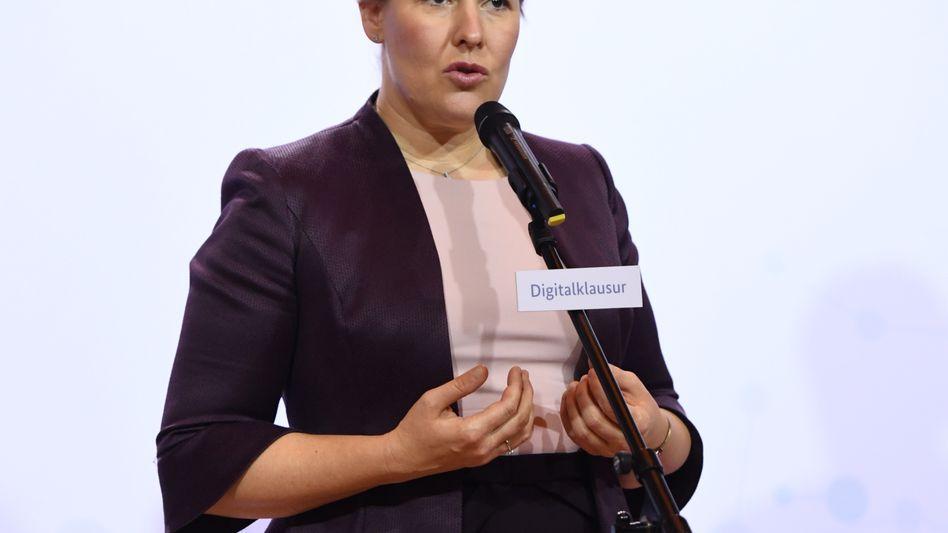 Ministerin Franziska Giffey: Jeden Tag ein Tötungsversuch gegen eine Frau
