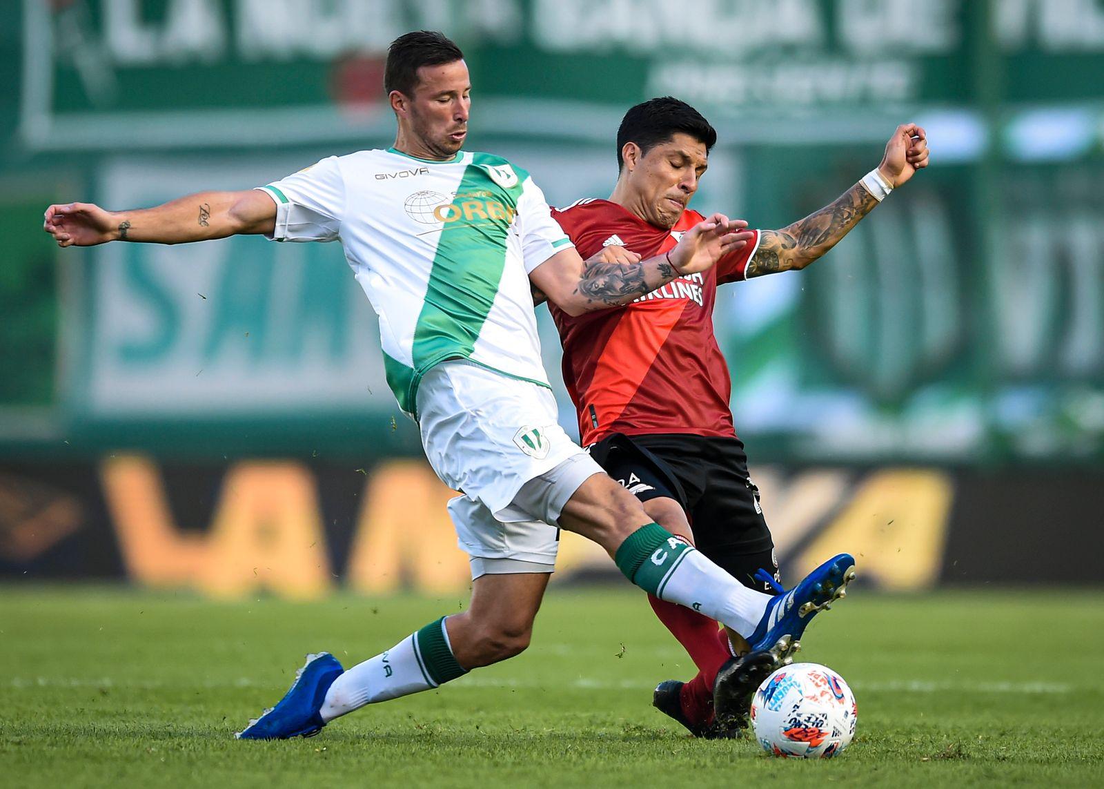 Banfield v River Plate - Copa de la Liga Profesional 2021