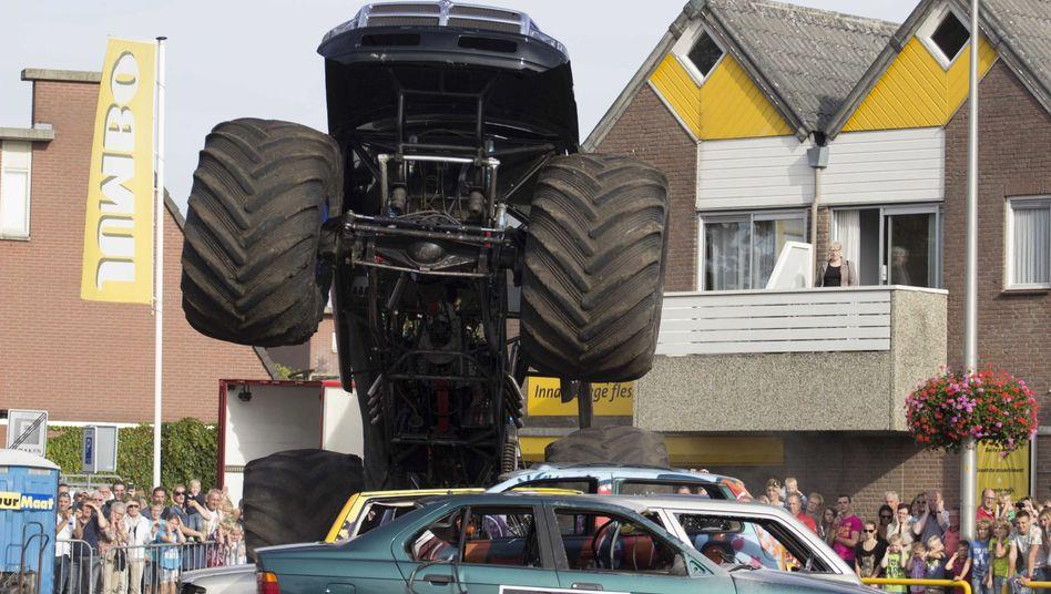 Monster-Truck vor dem Unfall: Riesen-Pickup fuhr in Menschenmenge