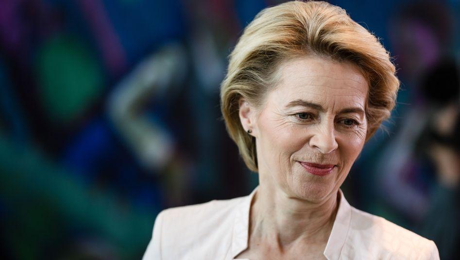Ursula von der Leyen: Vorletzter Platz im SPON-Regierungsmonitor