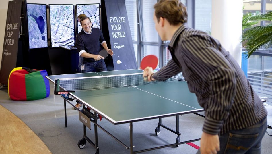 Abenteuerspielplatz Büro: Games-Room bei Google in Hamburg
