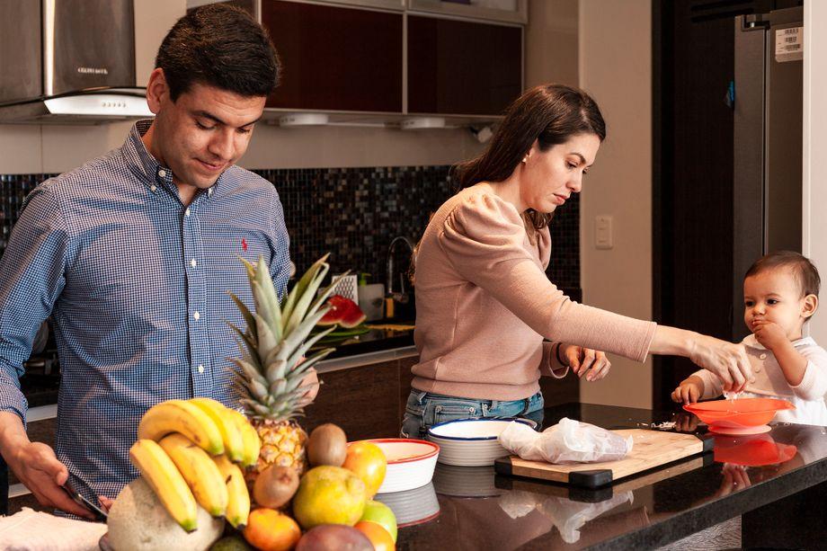 Carlos und Antonia beim Kochen