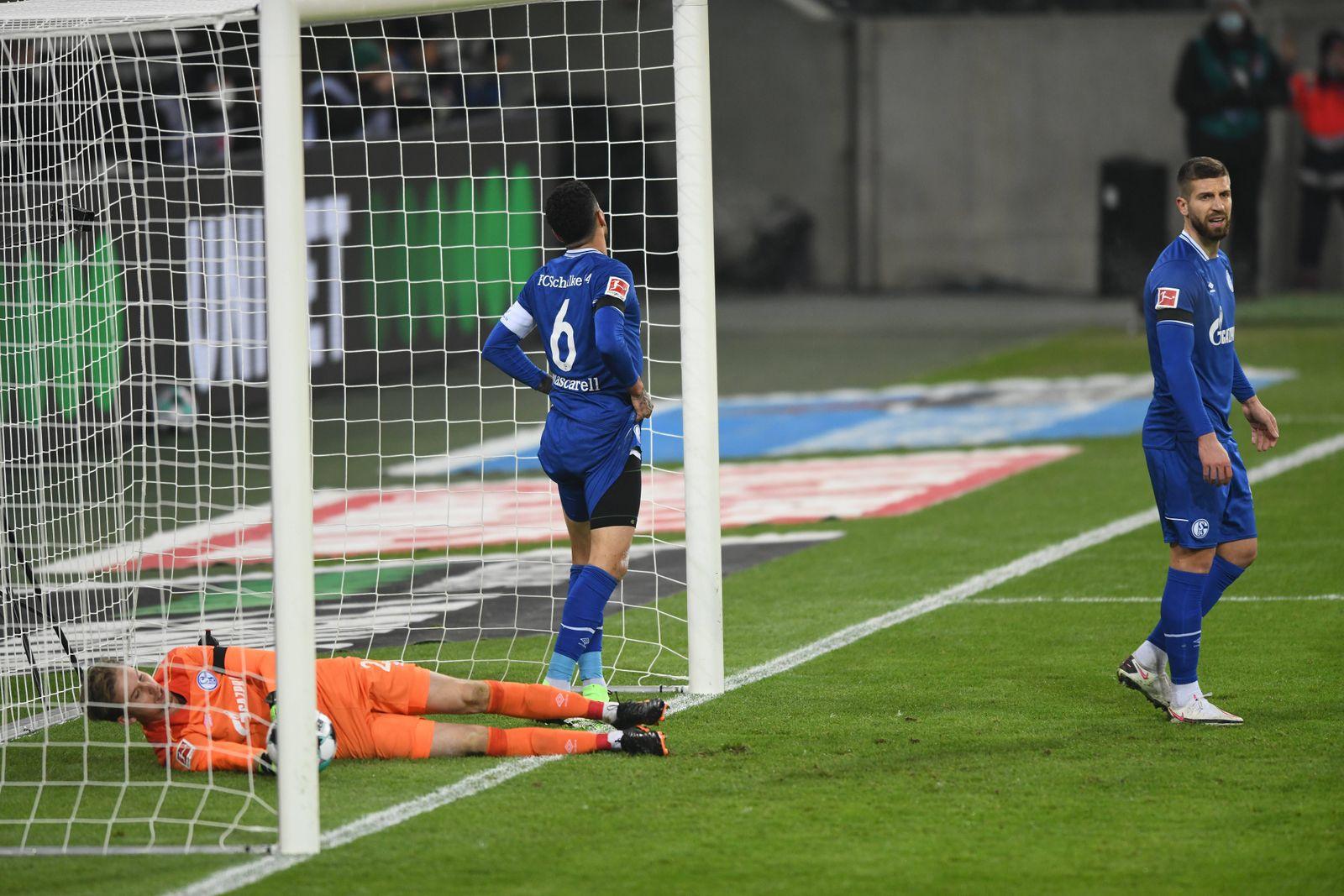 Sport Themen der Woche KW48 Borussia Mönchengladbach - FC Schalke 04 28.11.2020. Schalke nach dem ersten Gegentreffer. V