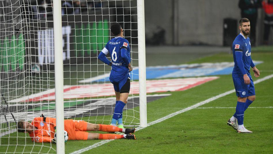 Enttäuschte Schalker Spieler (Archivbild)