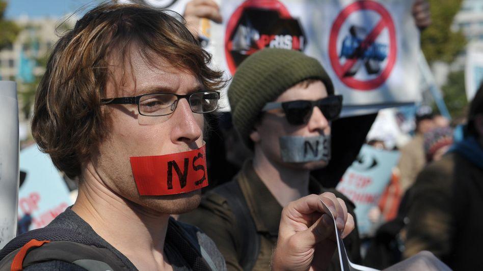 """Demonstranten in den Washington (Archiv): """"Freiheit und Demokratie sind schwer bedroht"""""""