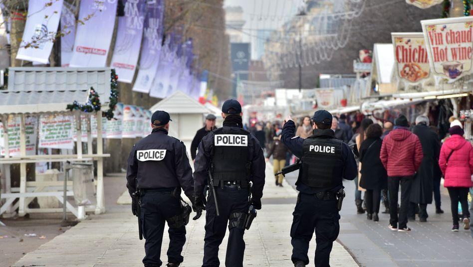 Polizisten in Paris (Archivbild)