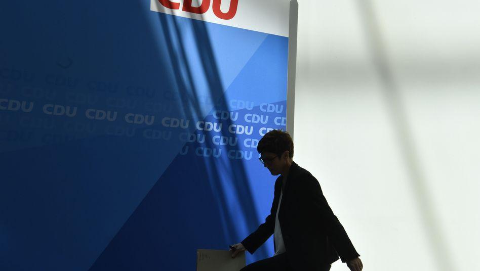 CDU-Chefin Annegret Kramp-Karrenbauer: Jedes Mal Aufregung, Irritationen, Diskussionen