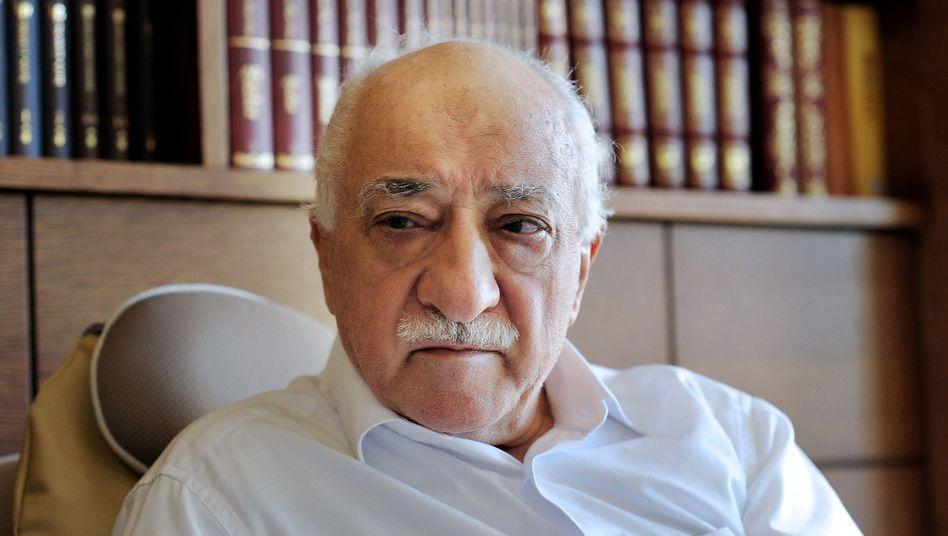 Prediger Gülen: Schmerzensgeld von Erdogan