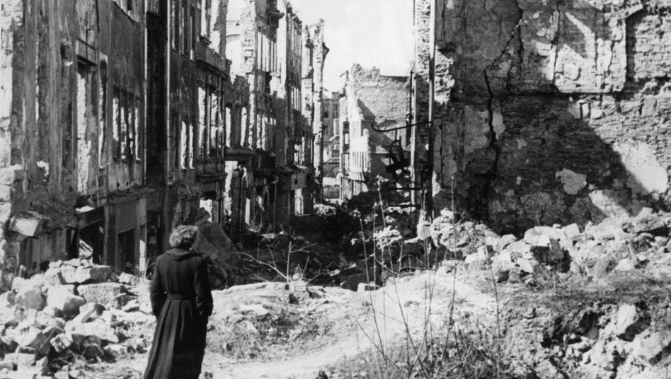 """Zerstörtes Dresden: """"Es gab keinen Grund für die Engländer, Dresden zu verschonen"""""""