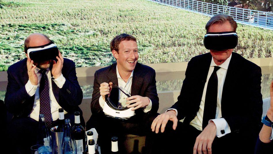 Zuckerberg (ohne Brille), mit EU-Parlamentspräsident Schulz und Springer-Chef Döpfner