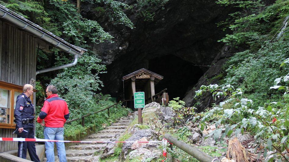 Eingang zur Lamprechtshöhle: 26 Urlauber befreit