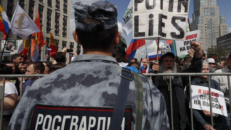 Protest in Moskau: Mehr als 22.000 Menschen demonstrierten für die Zulassung von Oppositionskandidaten bei der Wahl zum Stadtparlament