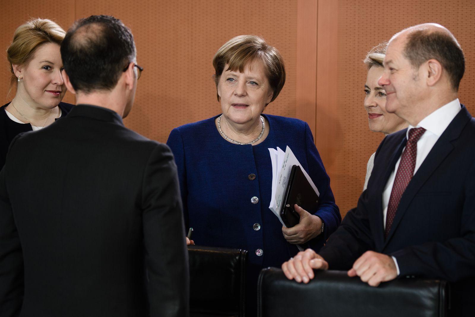 Merkel / von der Leyen / Scholz
