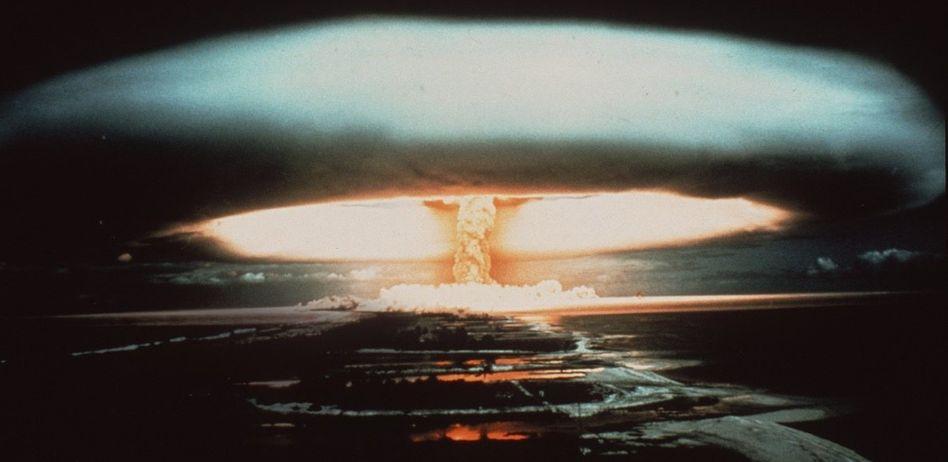 Atombombentest über dem Mururoa-Atoll 1970