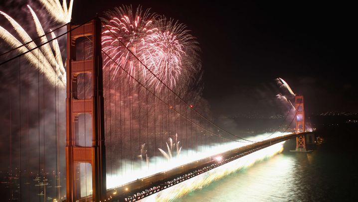 75-Jahre-Jubiläum: Lichterglanz über der Golden Gate Bridge
