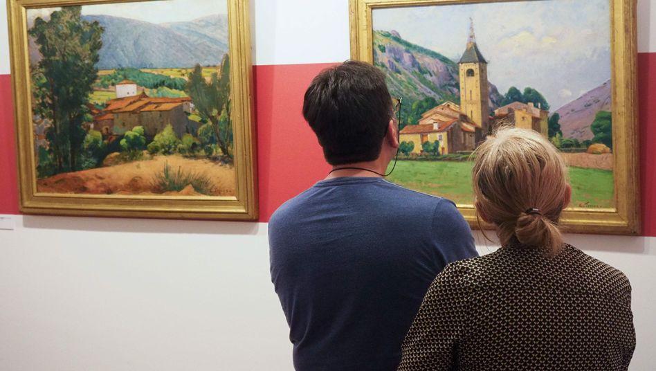 Besucher im Museum Terrus