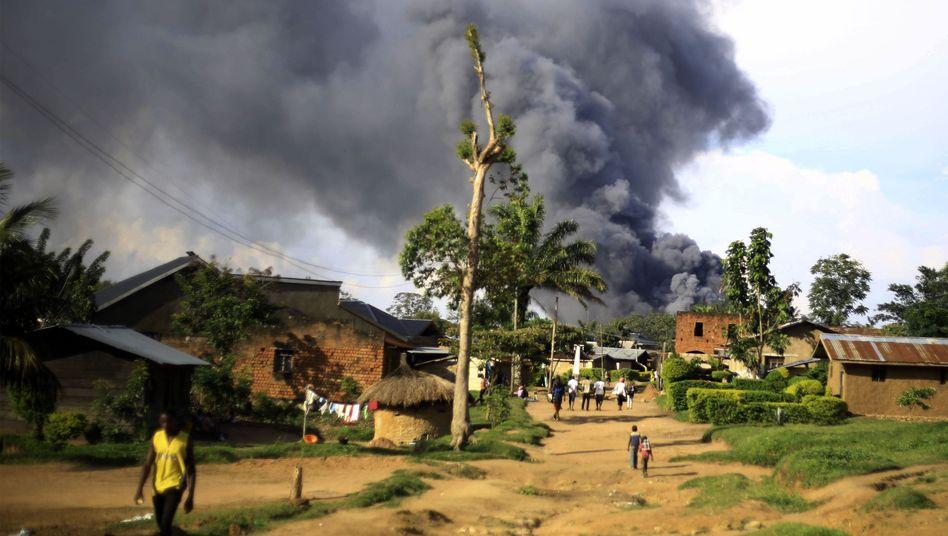 Rauch über Uno-Gebäude im Ort Beni