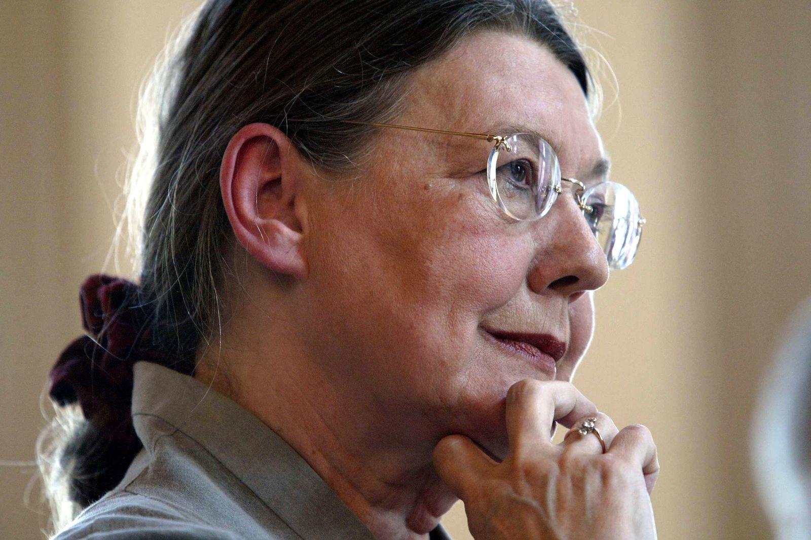EINMALIGE VERWENDUNG Monika Schoeller von Holtzbrinck