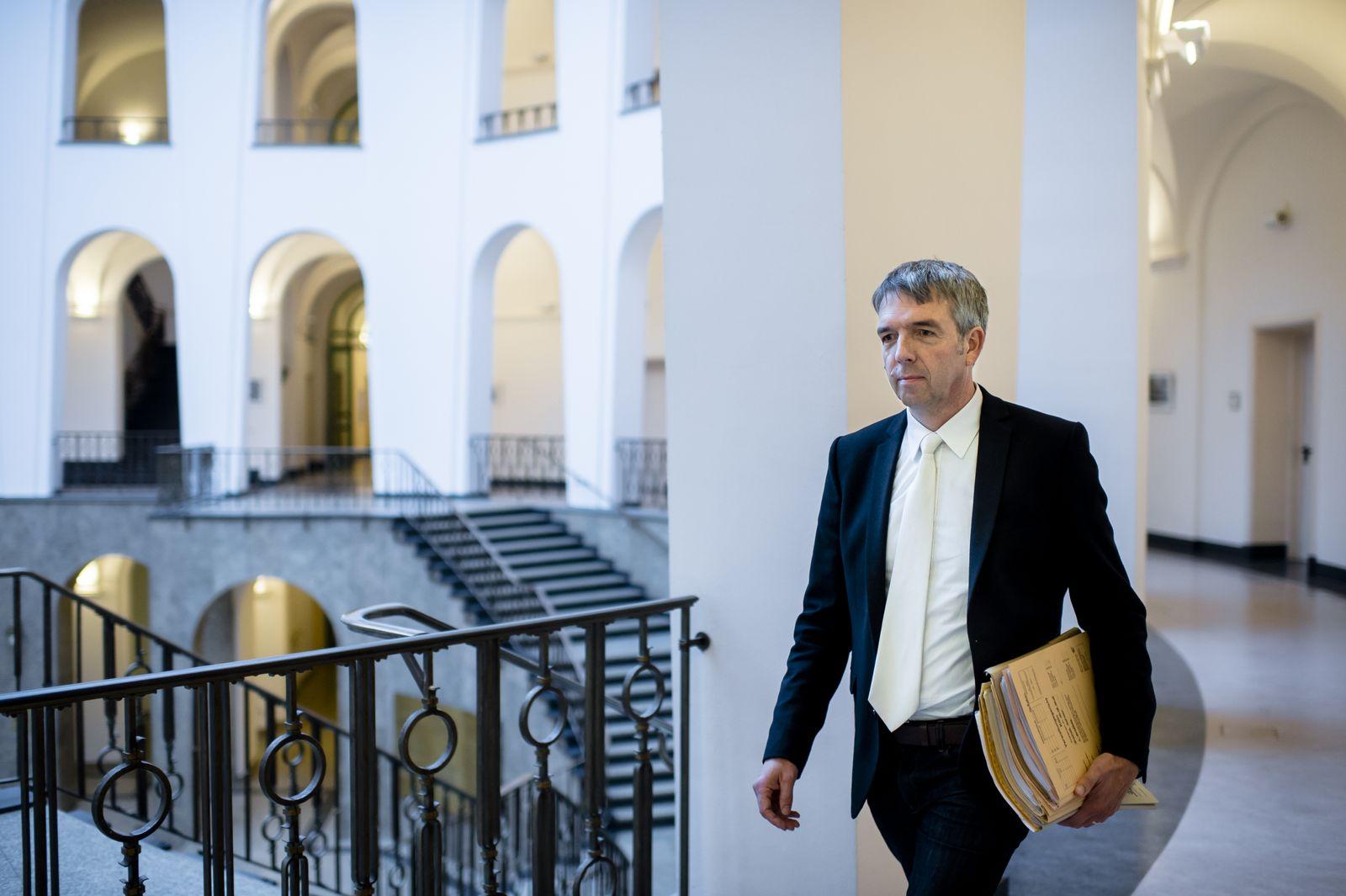 EINMALIGE VERWENDUNG Richter Raphael Murmann-Suchan