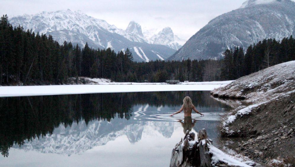 Schwimmen im Winter: Wärmerausch in eisiger Wildnis