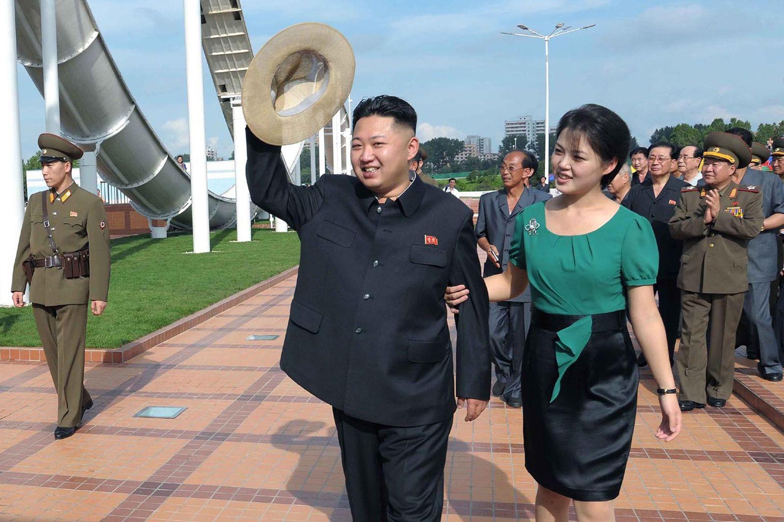 Kim Jong Un & Ri Sol-Ju