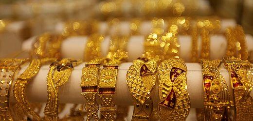 Gold: Nachfrage nach Goldschmuck hat sich fast halbiert