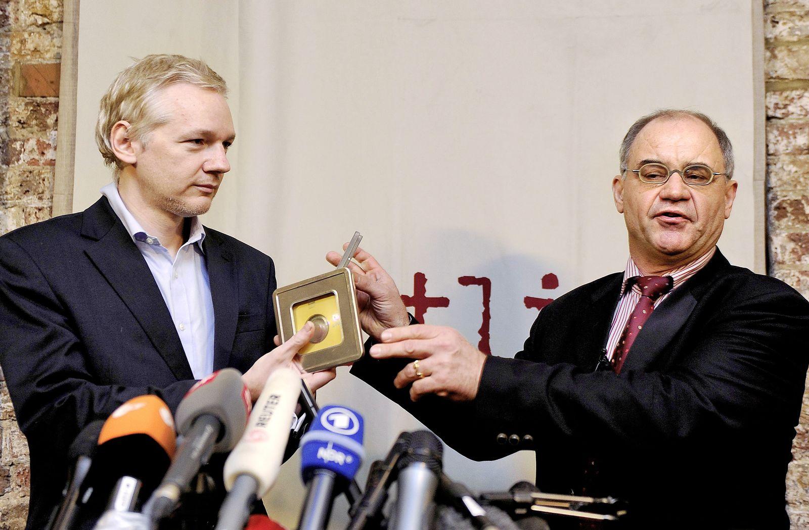 Wikileaks Assange Steuer-CD Elmer