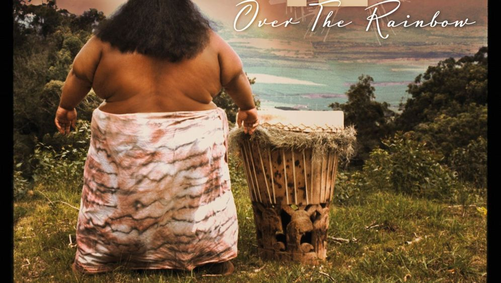 Photo Gallery: Hawaiian Song No. 1 in Germany