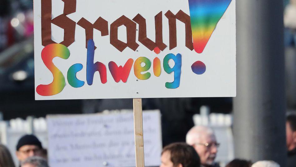 Protest gegen den AfD-Parteitag in Braunschweig