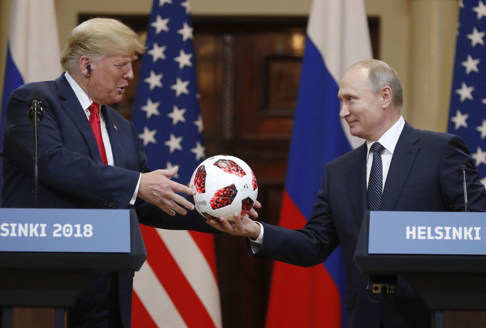 Donald Trump und Wladimir Putin / Helsinki