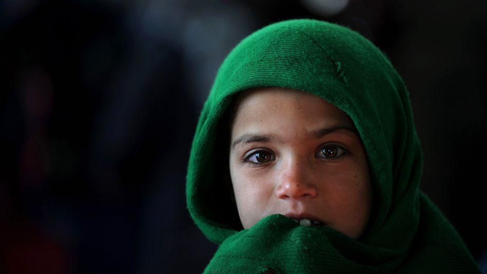 Ein Kind in Afghanistan: Kriege treffen Jugendliche weltweit besonders hart