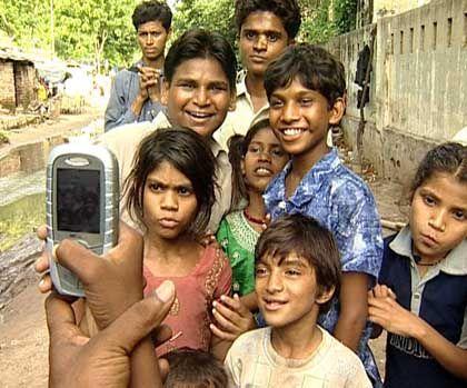 Mit Video-Handy auf Recherche: Bilder aus einem indischen Armutsviertel