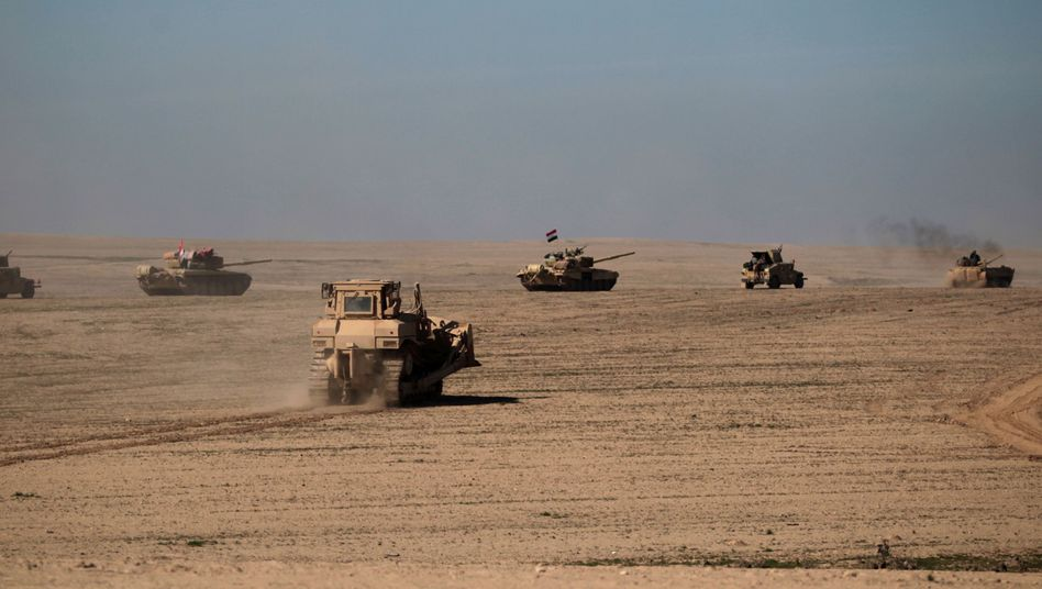Iraqi forces advancing on Islamic State-held Mosul on Sunday