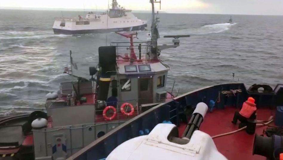 Moment des russischen Angriffs im November 2018: Die damals festgesetzten Schiffe und ihre Besatzung sind wieder frei