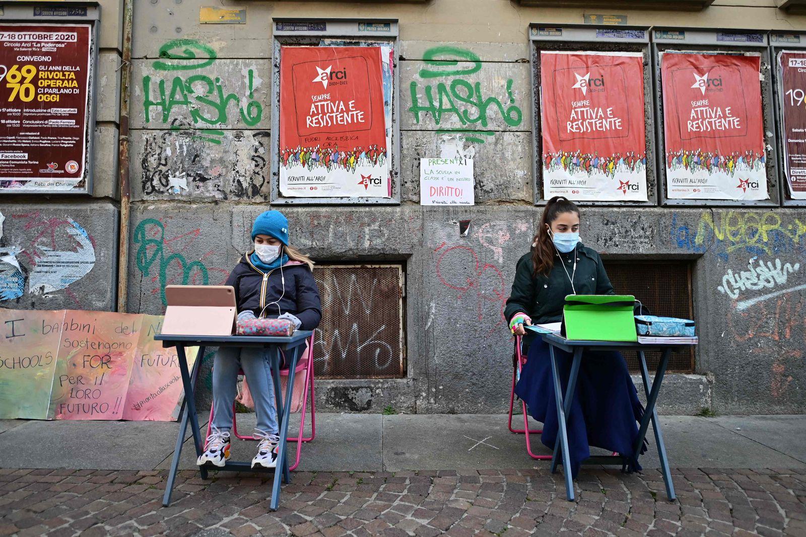 ITALY-HEALTH-VIRUS-SCHOOL